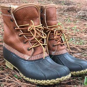 Beautiful L.L Bean Shearling lines Duck Boots